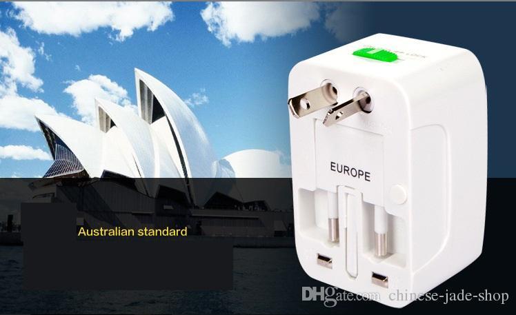 Adaptateur universel tout-en-un chargeur de voyage universel / AU / UK / US / EU Plug dans le paquet de détail 50pcs / lot