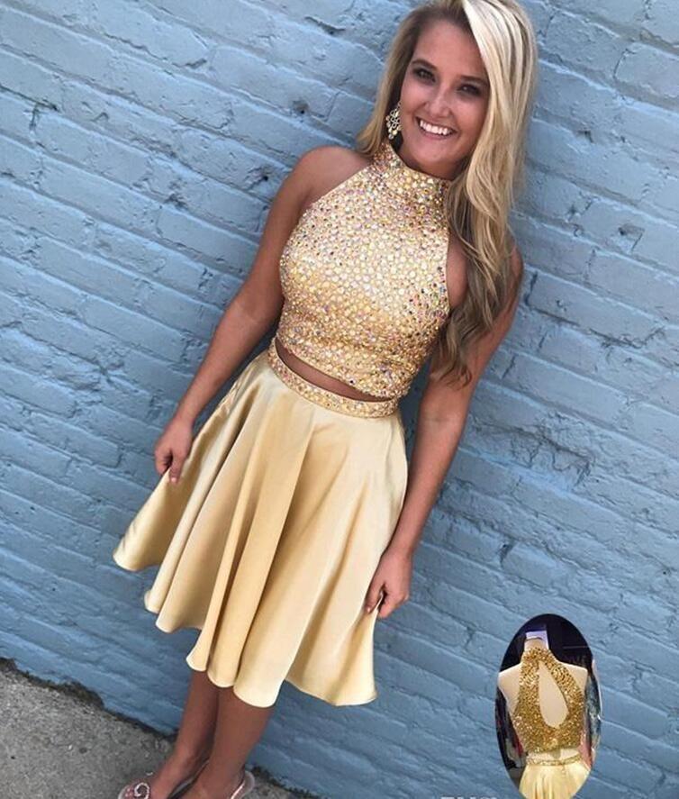 Yüksek Boyun Backless Kristal Boncuklu İki Adet Homecoming Elbise için 2017 Altın Elbiseler Mezuniyet için. Sınıf Balo Parti Elbise Gençler