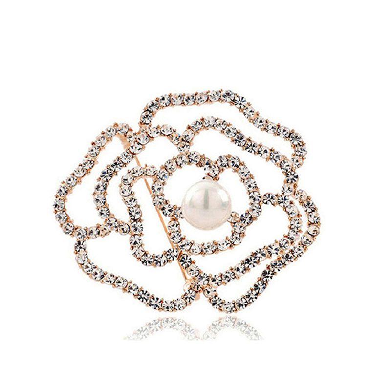 Donne Fashion Hollow Rose Flower Brooches Sciarpa Pins Luxury Diamond Crystal Shell Shell Spilla perla Spilla da sposa Bouquet Bouquet gioielli regalo