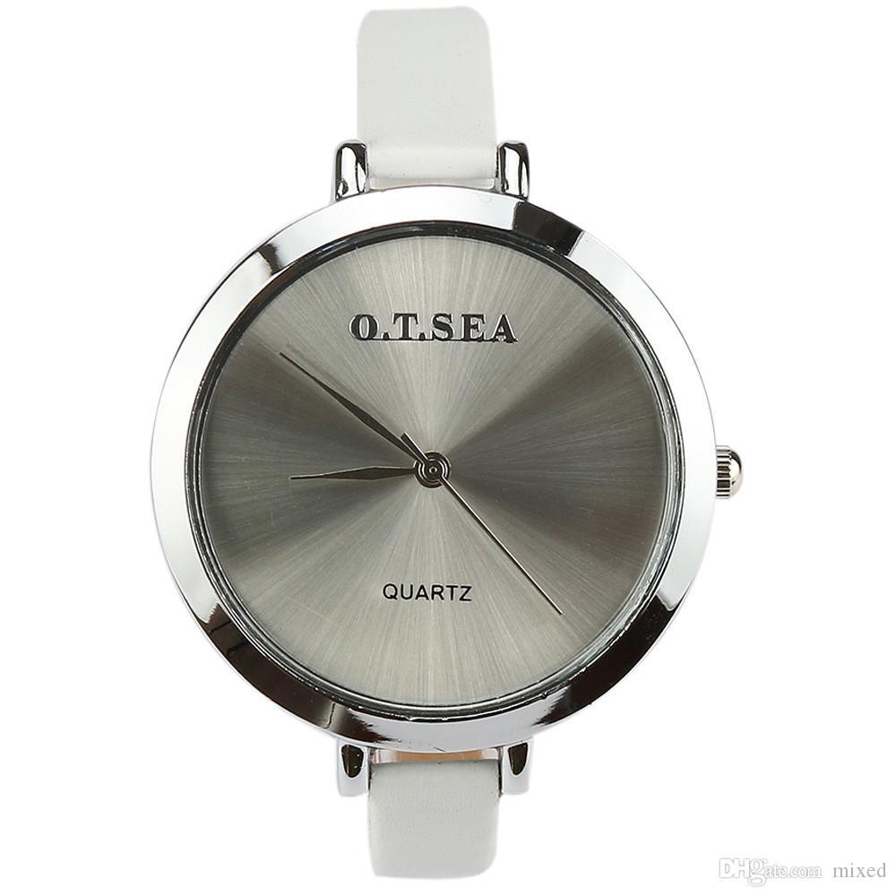 ラグジュアリーファッション女性の腕時計女性の革のクォーツの腕時計ホットクロック時計レディースドレスウォッチRelogios Feminino Montre Femme