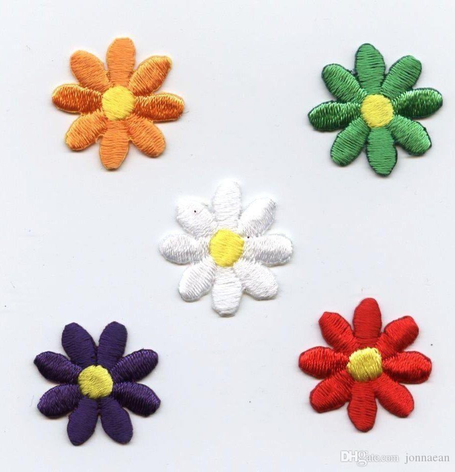 Baixo Preço 5 Cores Pequenas Dasiy Flor Bordado de Ferro em Applique Remendo Bordado Um Conjunto 5 pcs Diferença de Cor Frete Grátis