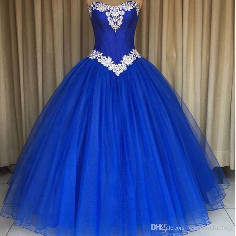 Urocze Quinceanera Dresses Royal Blue Buffy Prom Party Suknie Słodkie 16 Sukienka Sweetheart Bez Rękawów Kryształy Koronkowe Aplikacje Wykonane