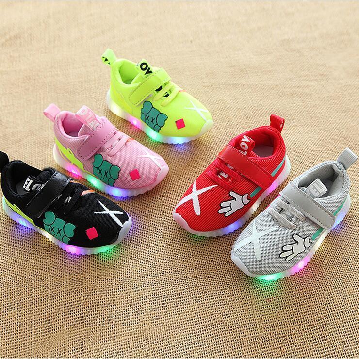 Мультфильм мода светодиодное освещение мальчики девочки обувь симпатичные 5 звезд дети кроссовки досуг сетки Детская обувь высокое качество младенческой теннис