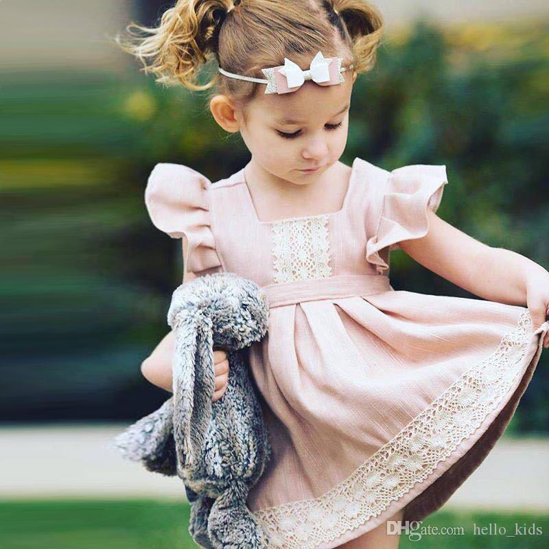 2017 Ragazza INS Pink Princess Lace Dress Nuovo ins bambini Cartoon Flying Sleeve Abiti Baby bambini vestiti 1-6 anni