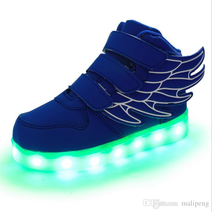 Nuove e nuove scarpe flash a LED con ricarica USB Il ciclo a sette colori lampeggianti per ricaricare le batterie e le donne della batteria al litio integrate