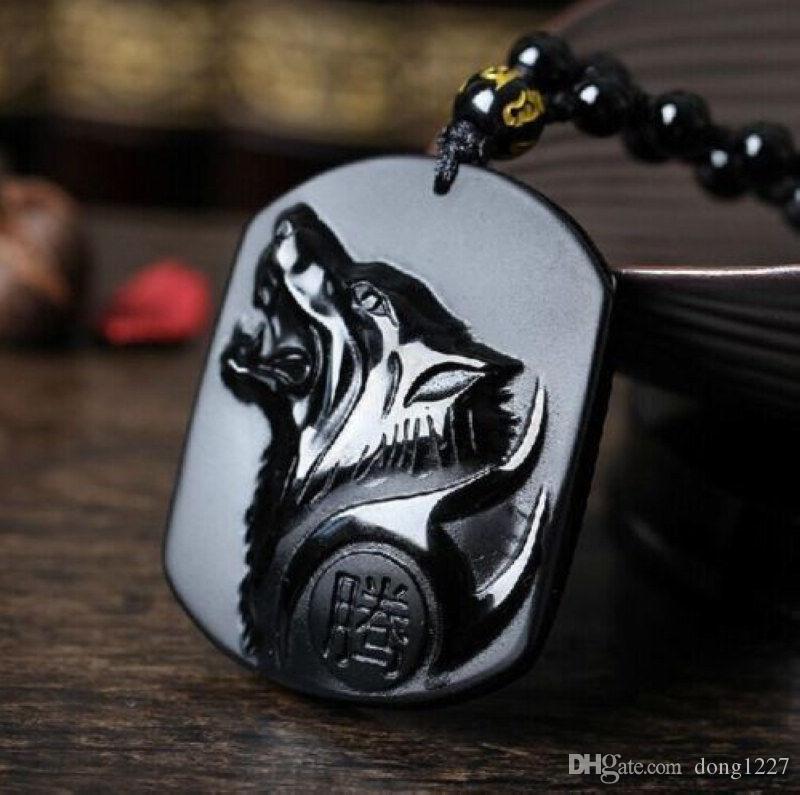 collar de la suerte de la cabeza de lobo tallada a mano de obsidiana natural