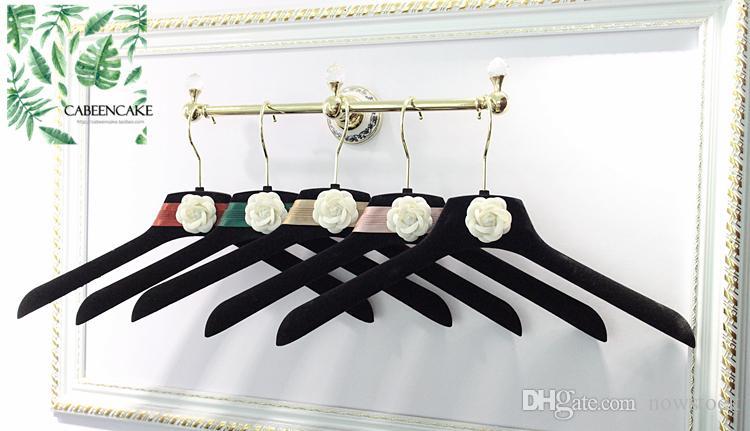 Free shipping 5pcs Outgeek Velvet Hangers Coat Hangers Anti-slip Flocking Velvet Clothing Trouser Hanging Hangers