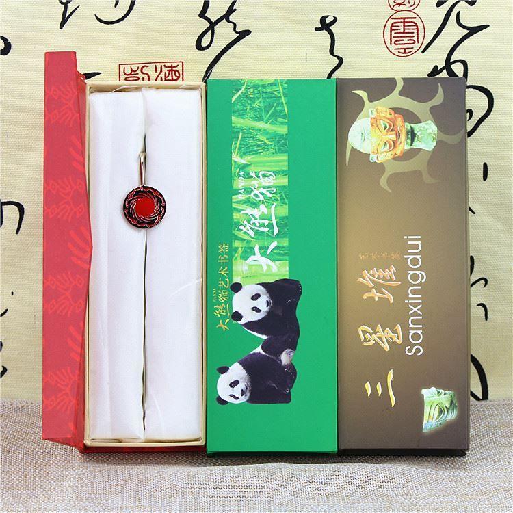 Confezione regalo segnalibro in metallo creativo Panda, segnalibro arte tridimensionale, souvenir da viaggio a Chengdu, invia insegnante di classe