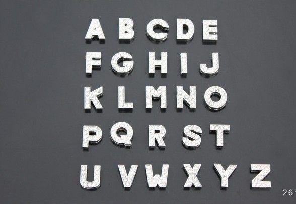 130pcs / lot 8mm A-Z volle Rhinestones, die Diabuchstaben DIY Alphabetzusätze passen, passen für 8mm ledernes Armbandarmband