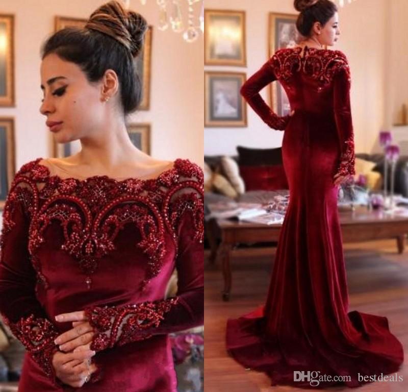 Saudi Arabisch Kleider 2017 Elegante Burgund Samt Mit Langen Ärmeln Meerjungfrau Abendkleider Perlen Kragen Dunkelrot Prom Kleider