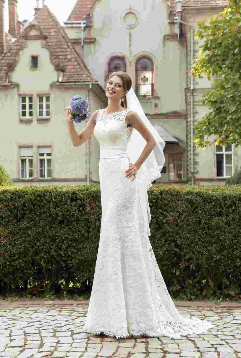 Fitted lace low back wedding dress