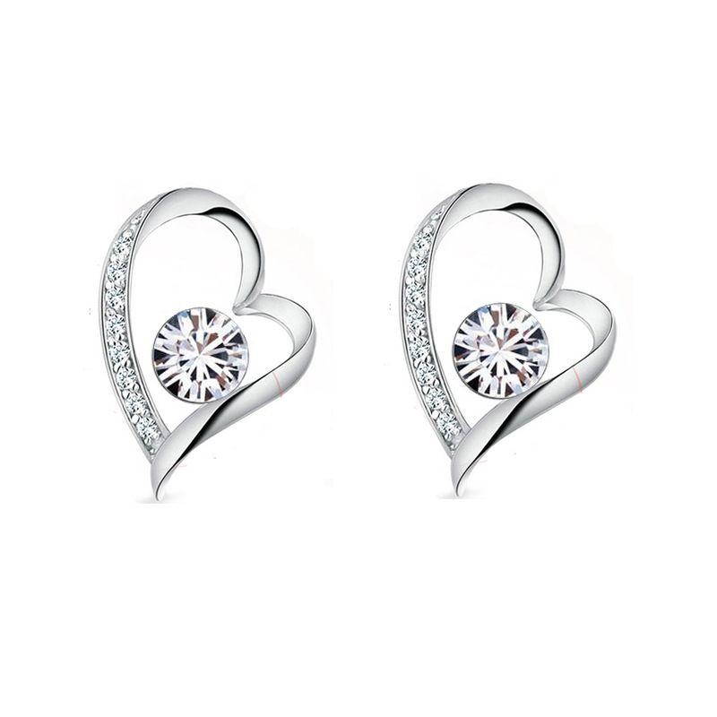 18K White Gold Plated White Crystal Heart Earrings for Women made withe Swarovski Elements Cute LOve Heart Stud Earrings Nice Gift