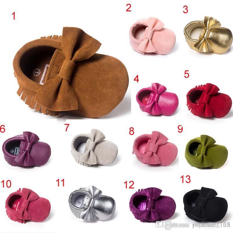 17 Farben Heiße verkaufende Neuankömmlinge weicher erster Wanderer des PU-Babys beschuht neugeborene Bowknotquaste der Kinder rutschfeste Schuhe freies Verschiffen
