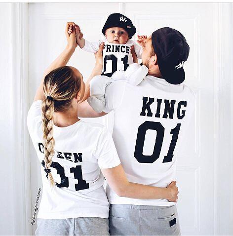 Nova Família Rei Rainha Carta Imprimir Camisa, 100% Algodão tshirt Mãe e Filha pai Filho Roupas Combinando Princesa Príncipe