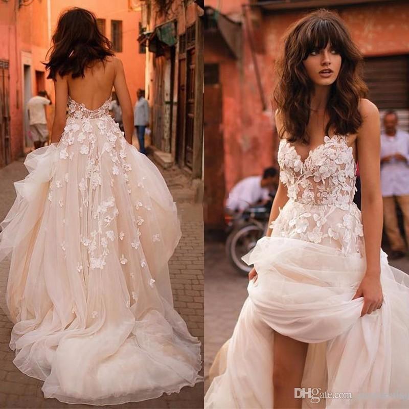 3D 꽃 V 넥 계층 스커트 등이없는 플러스 사이즈 우아한 정원 나라 베르타 웨딩 드레스 2020 년 리즈 마르티네즈 비치 웨딩 드레스
