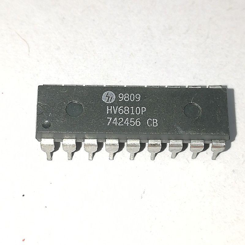 HV6810P. HV6810, PILOTE D'AFFICHAGE DU FLUOR SOUS VIDE Circuit intégré de circuit intégré, PDIP18 / boîtier double en ligne en plastique à immersion 18 broches / Composants électroniques