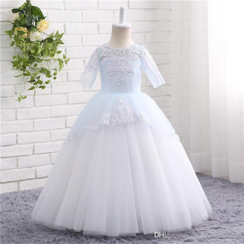 Vestidos de Primera 2021 Pizzo Appliques Mezza manica Fiore Abiti per le ragazze per matrimoni Ball Gown Princess Tutu Abiti da Comunione con la cinghia