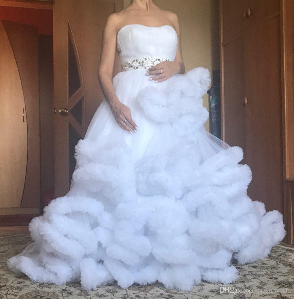 Großhandel Luxus Prinzessin Long Zug Wolke Hochzeitskleid Weiß Plus Größe  Ballkleid Brautkleider 19 Vestidos De Noiva Robe De Mariage Von