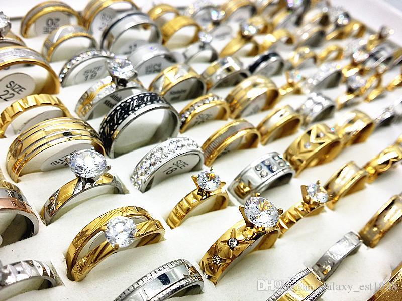 ingrosso assortiti stili misti 50 Pz / lotto Argento e oro acciaio inossidabile strass Zircone Pietra da uomo gioielli da sposa anelli