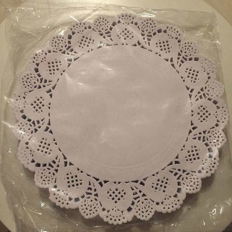 Wholesale- 9.5 inch Round Doily Paper white lace cake Grease-proof Paper Wedding Party Christmas Table Decoration Paper Doilies