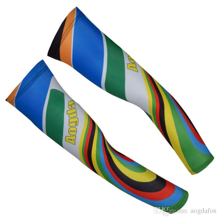 Venta al por mayor y al por menor-Aogda Rainbow Pattern Ciclismo Brazo Calentadores Brazo de baloncesto Secado rápido Respirable Bicicleta Carreras Calentadores de brazo