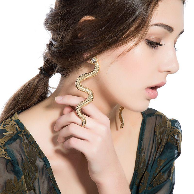 Змея Кристалл серьги панк преувеличены старинные золотой цвет мода подарок милый животных длинные мотаться серьги для женщин ювелирные изделия оптом