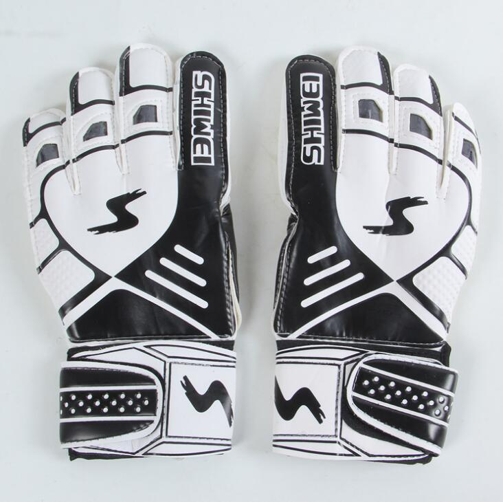 New Professional goalkeeper gloves Finger protection latex soccer goalie protective gloves football sport goal keeper gloves