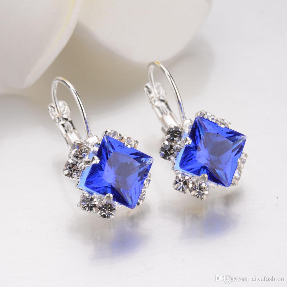 Women Personality Shiny Earrings 2017 Best Selling Fashion Diamond Stud Earrings Wholesale Crystal Jewelry Earring 6 Colors