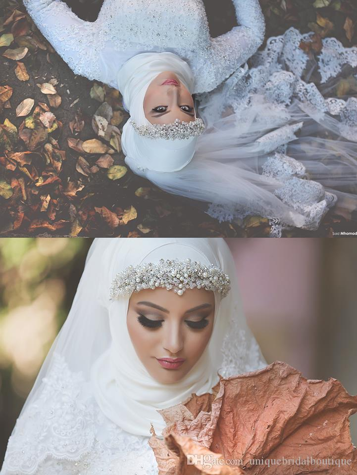 Luxury Muslim Wedding Veils with Lace Appliqued Edge and Crystals One Layer Tulle Elbow Length Bridal Hijab Custom Made