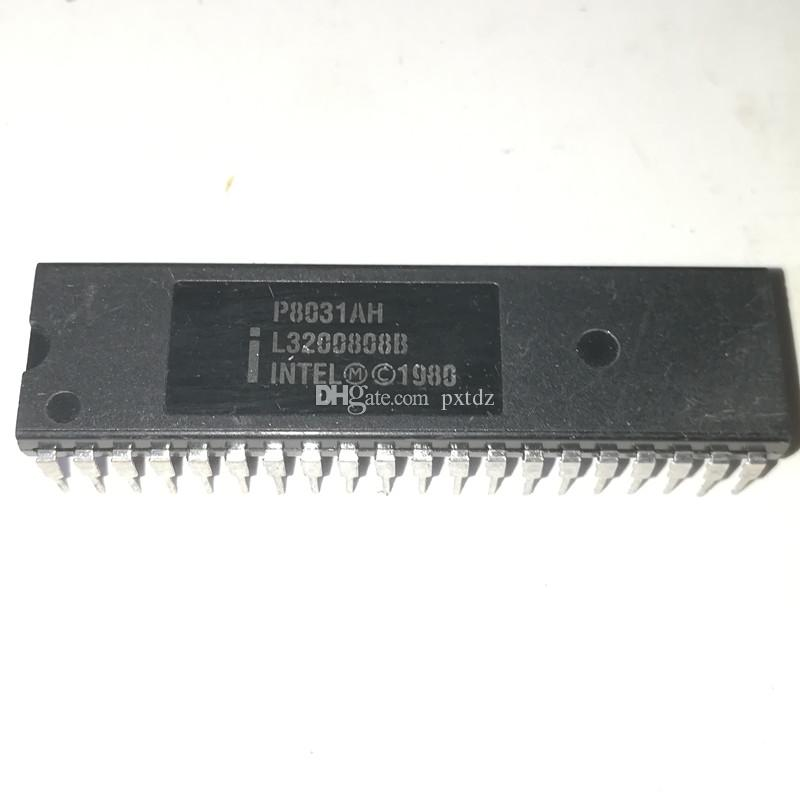 P8031AH. P8031, doppio pacchetto in plastica a 40 pin in linea. PDIP40 / 8-BIT, circuiti integrati MICROCONTROLLER chip IC / componenti elettronici