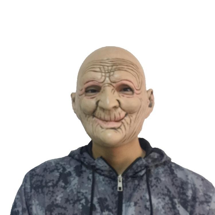 Пожилая женщина в резиновых фото 625-8