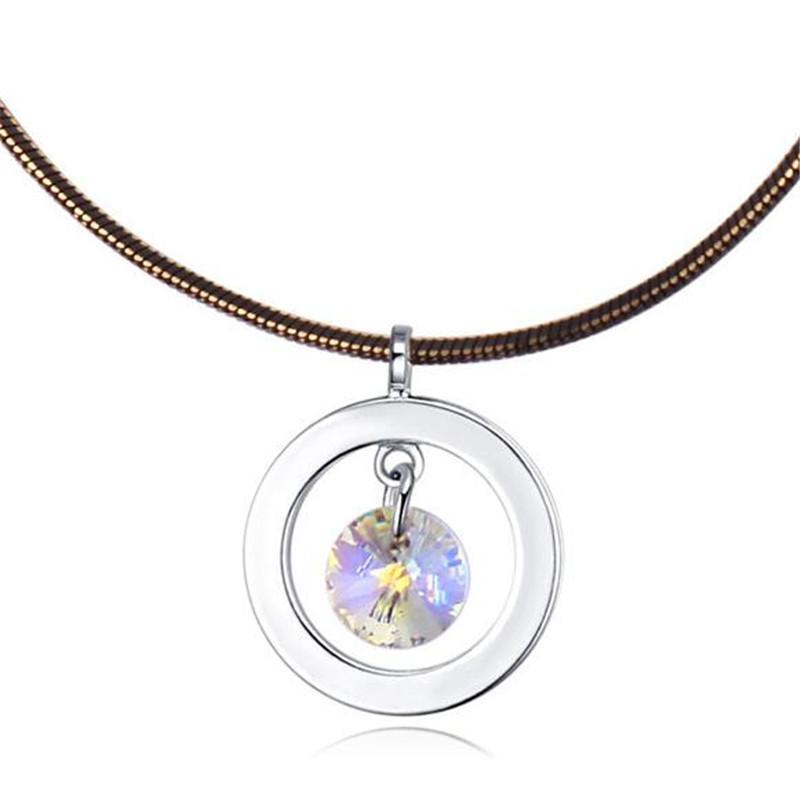 Femmes Bijoux Accessoires de mode Fabriqué avec des cristaux de Swarovski Elements Femmes de haute qualité Pendentifs Collier Marque Bijoux 23846