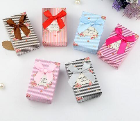 24pcs / lot ring 귀걸이 목걸이 선물 공예 포장 디스플레이 5 * 8 * 2.5cm BX13에 대 한 보석 상자 세트