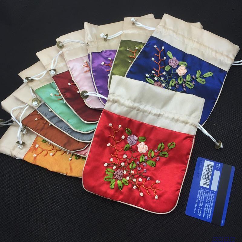Sacchetti di imballaggio del ricamo fatto a mano grande del nastro per i sacchetti del regalo dei gioielli del tessuto del raso Coulisse secchi secchi dei fiori Borsa del sacchetto di immagazzinaggio