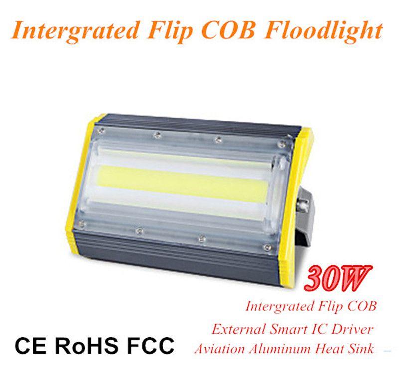 Yeni Tasarım 30 W Yüksek Lümen Flip COB Projektör Havacılık Alüminyum Modülü Doğrusal LED Sel Lamba 100lm / W Dış Aydınlatma için Su Geçirmez IP66