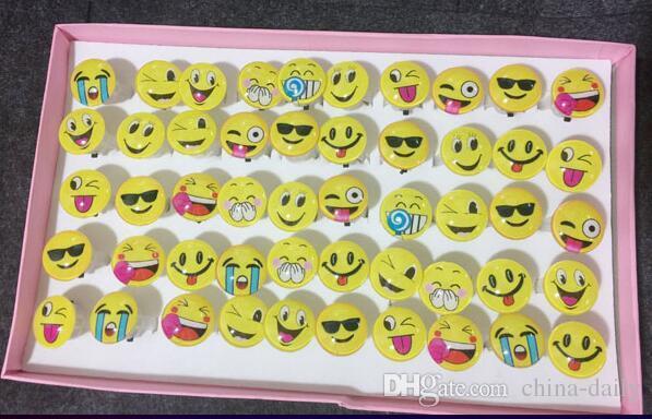 100pcs espressione divertente volto sorridente bagliore led light up flash bubble anello elastico rave party lampeggiante morbido finger lights per il partito discoteca ktv
