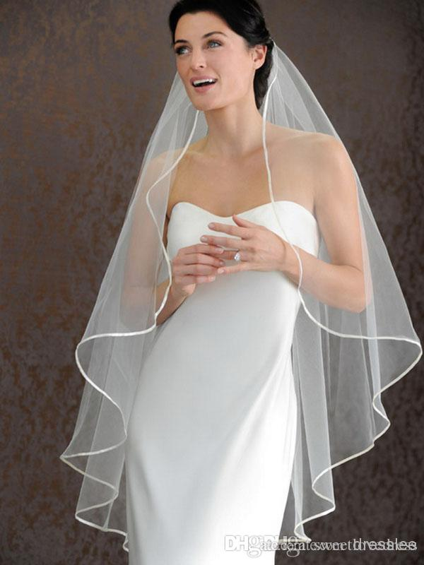 Velos de novia Vendedor caliente barato 1 CAPA Velos de novia de marfil blanco Corto Accesorios de boda nupcial Velo velo de novia con banda de satén