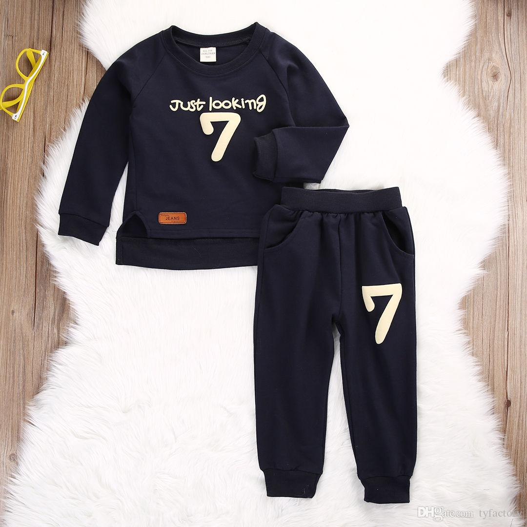 Sıcak satış erkek kız takım elbise Toddler Bebek Erkek Çocuk Kazak Tops + uzun Pantolon Giysi sadece görünümlü 7 komik baskılı Kıyafetler Beyefendi moda Set