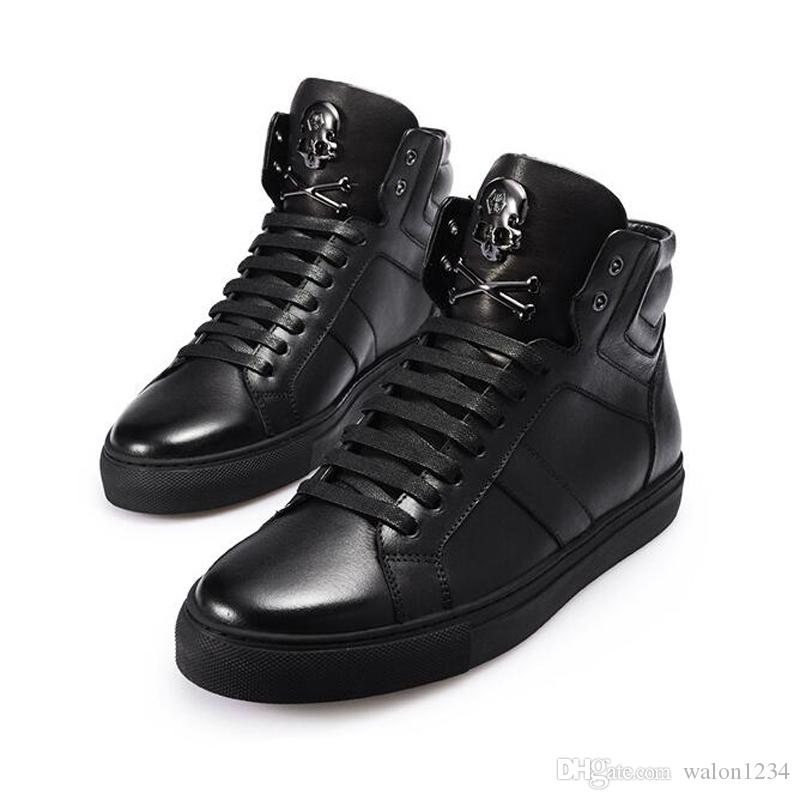 Vendita calda Inverno uomo scarpe in pelle all'ingrosso Metallo Skull Head personalità della moda uomo scarpe alte scarpe per gli uomini
