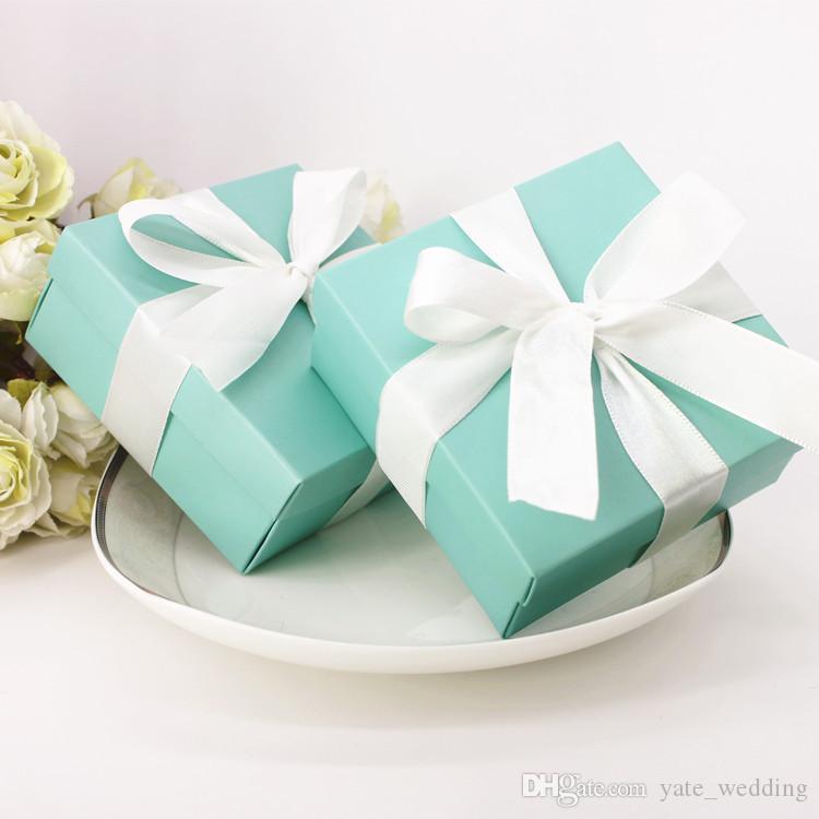 Scatole per bomboniere graziose T blu con nastri Decorazione per feste di compleanno Scatole per caramelle di nozze Scatole di carta rosa quadrate In magazzino