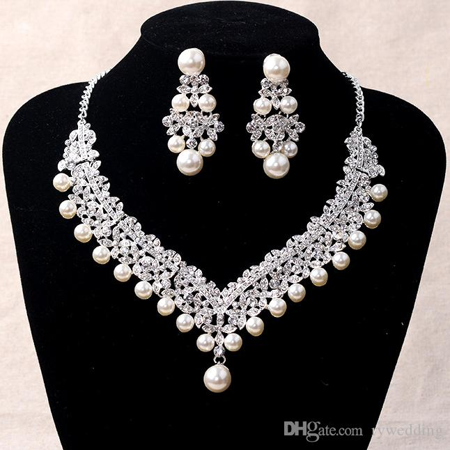 2017 Luxury Bridal Accessories Pearl crystal Necklace Earring Accessories Wedding Jewelry Sets Cheap Fashion Style Hot Sale from China cheap