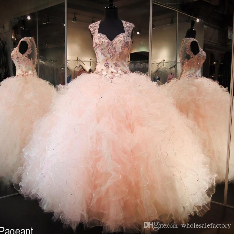 Vestidos de 15 Anos Ball Gown Quinceanera Dresses 2017 Sweetheart 모자 슬리브 골치 아픈 건 Tier Ruffles 치마 파티 파티 드레스 BA4341