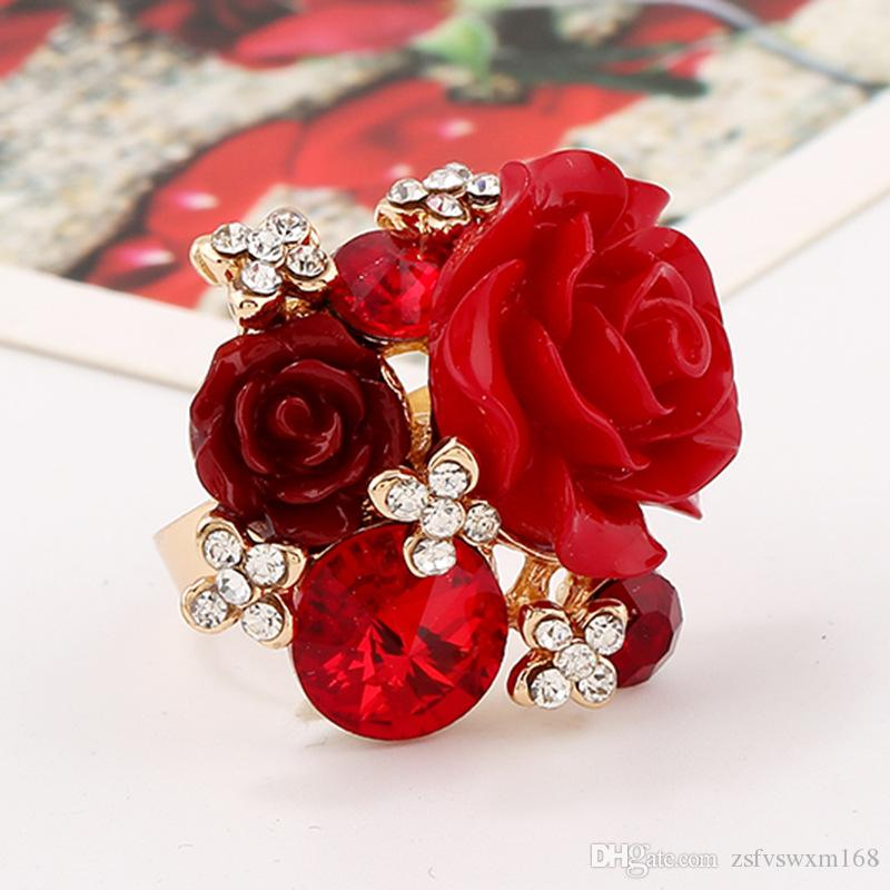 Very pretty adjustable white resin rose flower ring
