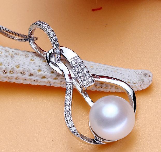 Heiße Verkaufsfrau 9-10mm oblate hängende Halskette der natürlichen Perle 925 silbernes DZ0215