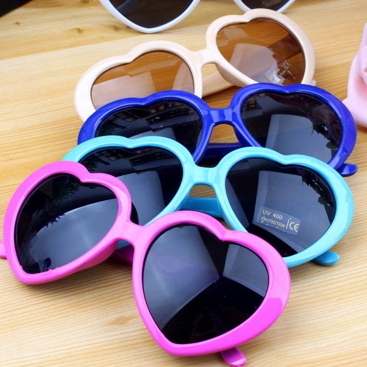20pcs安いビーチ梨花サングラス高級高品質メンズサンメガネハート型ユニセックス眼鏡グラデーションメタルヒンジファッション男性と女性眼鏡