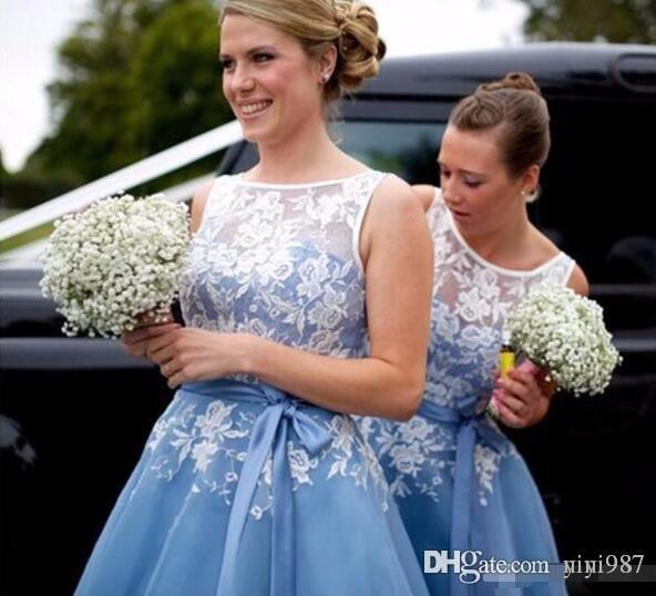 Vestito da damigella d'onore blu con sash pizzo Appliques Maid of Hener Wedding Guest Dress Vestito da sposa formale Abito da sposa abito da damigella d'onore Vendita a buon mercato