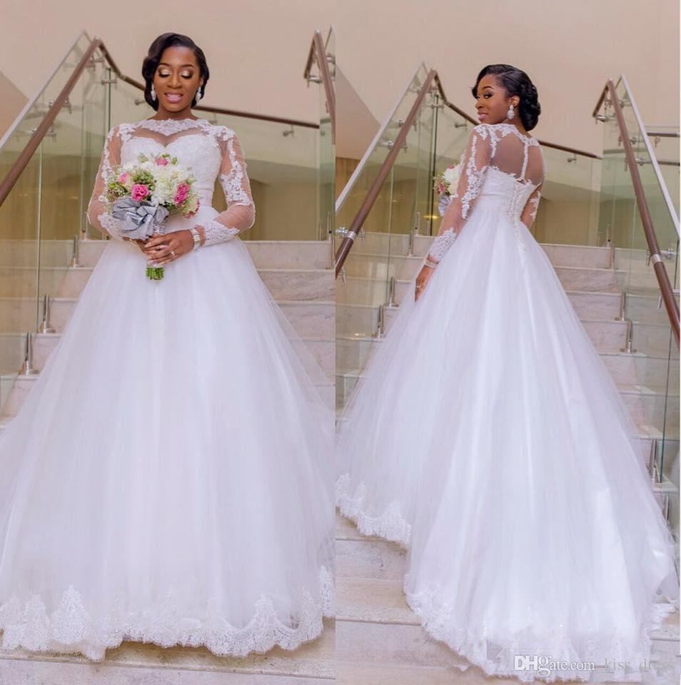 Plus Size Abiti da sposa in pizzo Stile vintage Sweep Train A-Line Manica lunga Tulle Abiti da sposa Vestido De Noiva 2019 Vendita calda Nuovo W1020