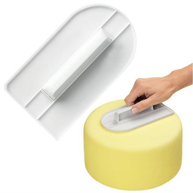 도매 - 1 PC의 플라스틱 케이크 매끄러운 폴리 셔 도구 케이크 부드러운 매달려 Sugarcraft 케이크 주걱 장식 DIY 제빵 도구