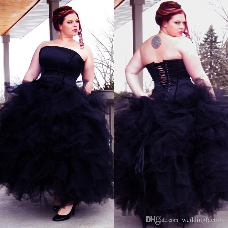 Stunning Gothic Corset Ball Kappa Svart Bröllopsklänning Strapless Ruffled Tiered Kjol Ankel Längd Keltisk Bröllopsklänning Bridal Gown Plus Storlek