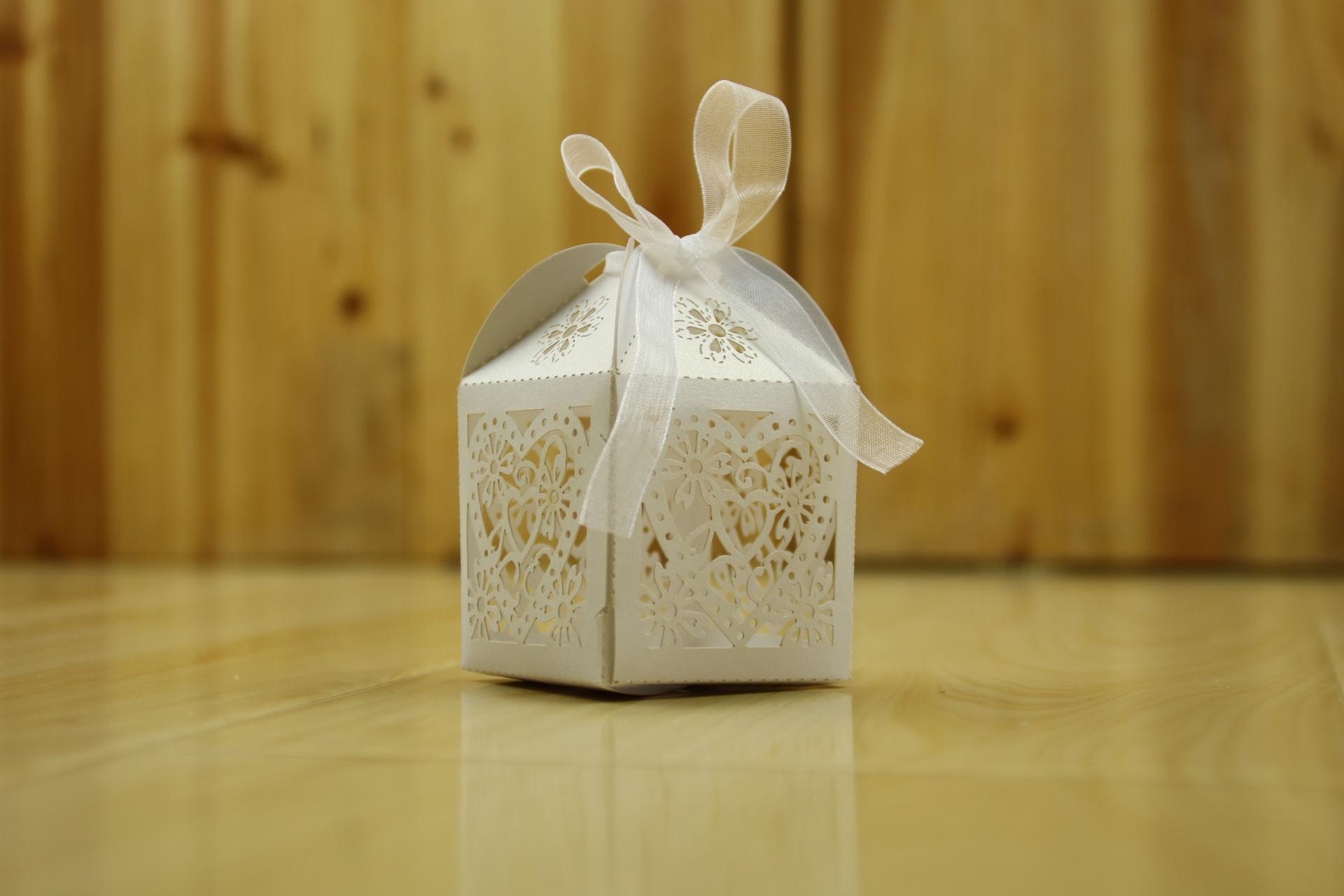 Hotsale 러브 하트 파티 웨딩 캔디 박스 리본 선물 웨딩 파티 사탕 상자 무료 배송